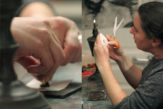 Les gestes : faire un cachet de cire © Atelier Bougault-Desquand